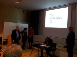 NORBOL-avtalen signeres av direktør for Universitesmuseet i Bergen