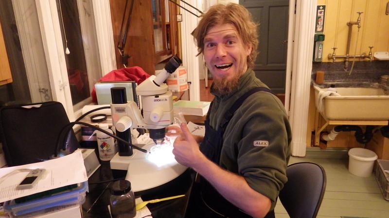En meget happy forsker