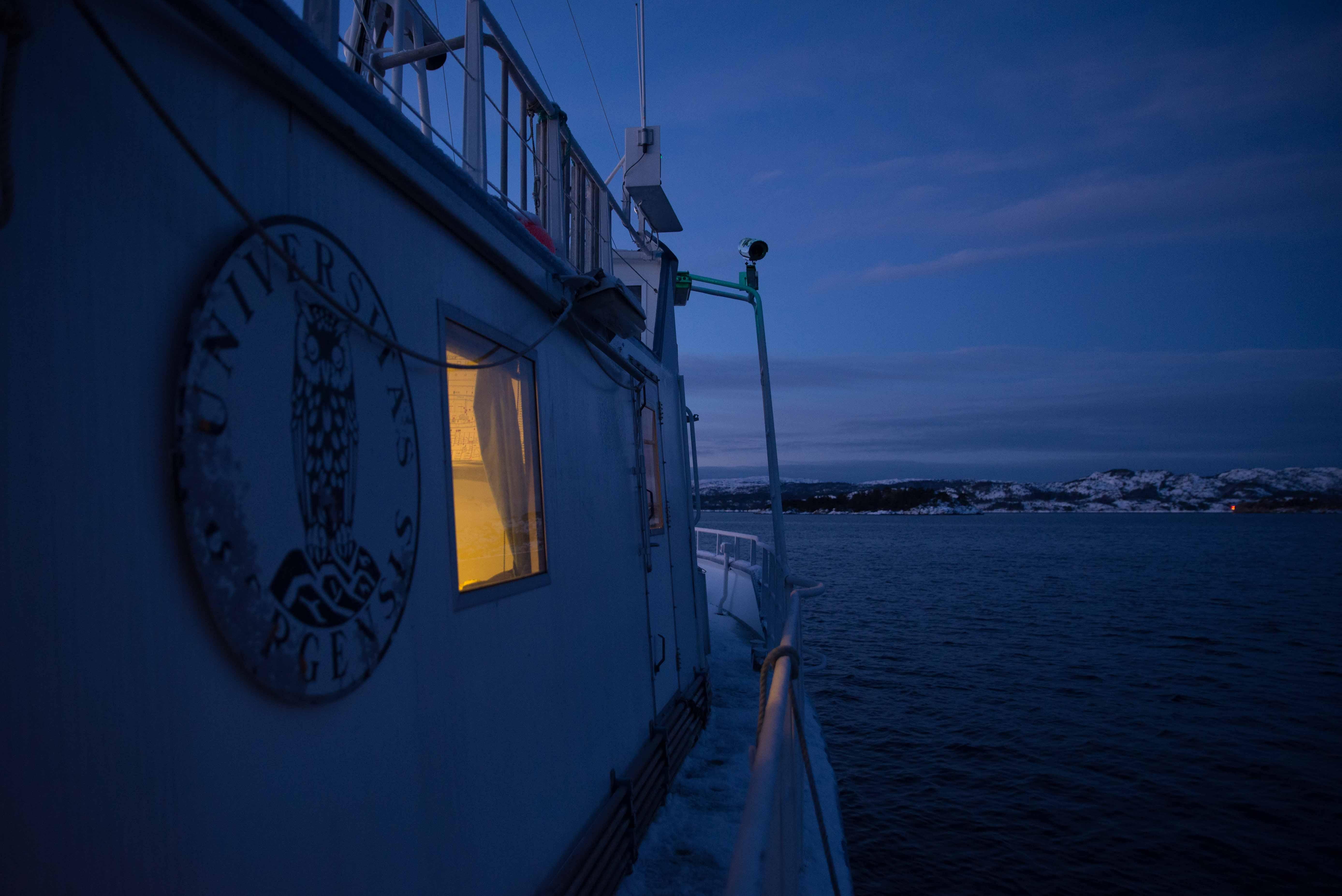 Morgenstemning på kald båt. Foto: AHS Tandberg