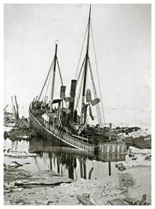 """Varna"" sett fra ""Dijmphna""s kommandobro 2 dager før den gikk til bunns. Fotograf: J.S.A. Borch (Djimphnas fotograf)"