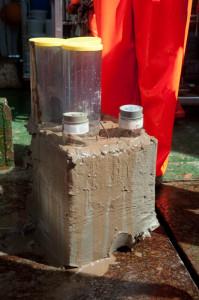 Boxcorer-prøve utenfor boksen. Legg merke til hvor uforstyrret prøven av havbunnen er. Foto: AHS Tandberg