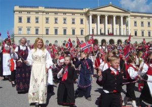 17-mai feiring i Oslo. Foto: Morten Johnsen CC-BY-SA-3.0, via Wikimedia Commons